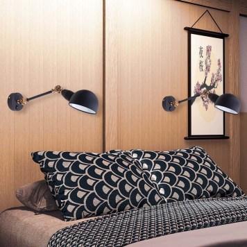Arandelas articuláveis perto da cama