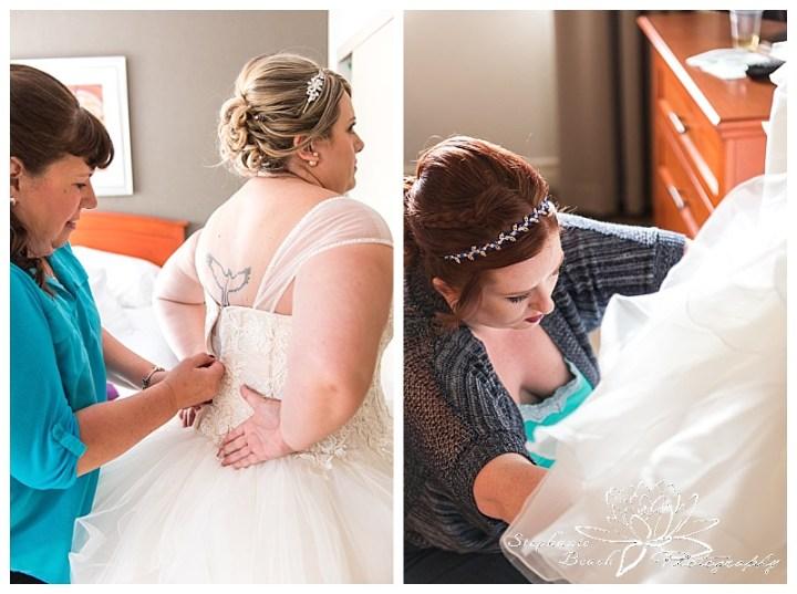 temple's-sugar-bush-fall-wedding-stephanie-beach-photography-bride-preparation