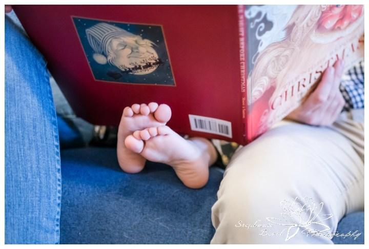 Lifestyle-Christmas-Family-Session-Stephanie-Beach-Photography-Ottawa-story-book-feet