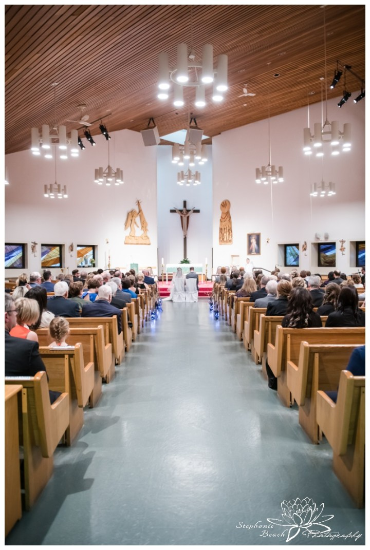 Ottawa-Fall-Wedding-Stephanie-Beach-Photography-ceremony-church