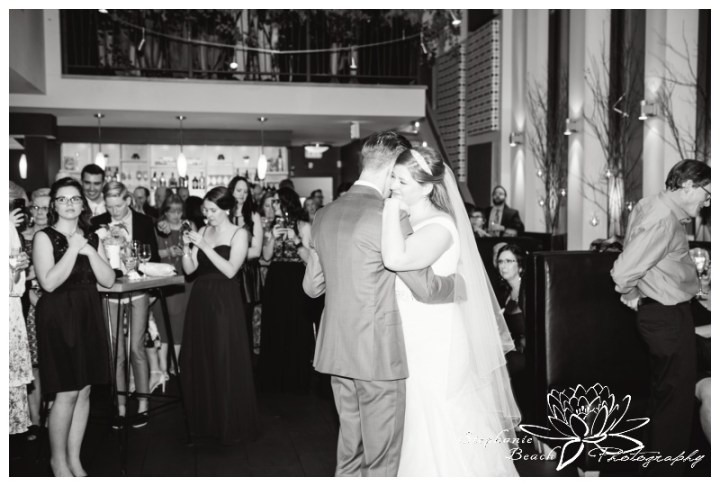Ottawa-Fall-Wedding-Stephanie-Beach-Photography-reception-first-dance-bride-groom
