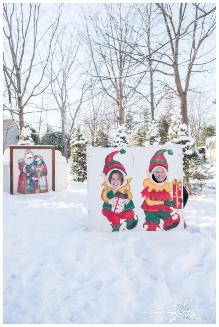 Merrickville-Winter-Engagement-Session-Stephanie-Beach-Photography-snow