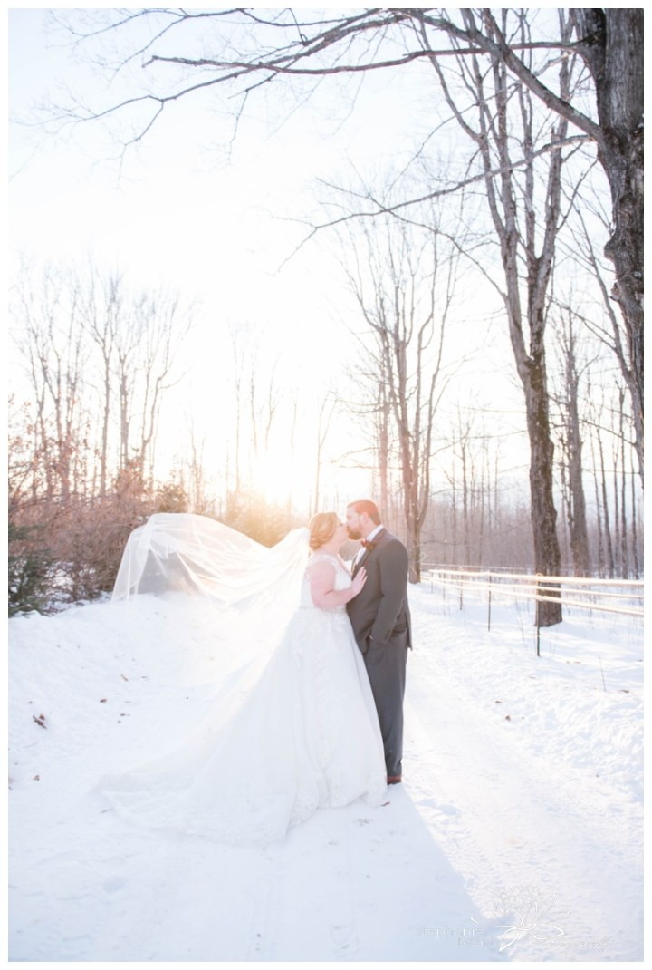 Temple's-Country-Wedding-Sugar-Bush-Winter-Wedding-Stephanie-Beach-Photography