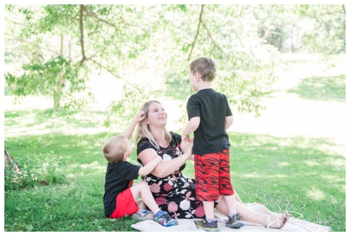 Ottawa-Arboretum-Lifestyle-Family-Session-Stephanie-Beach-Photography