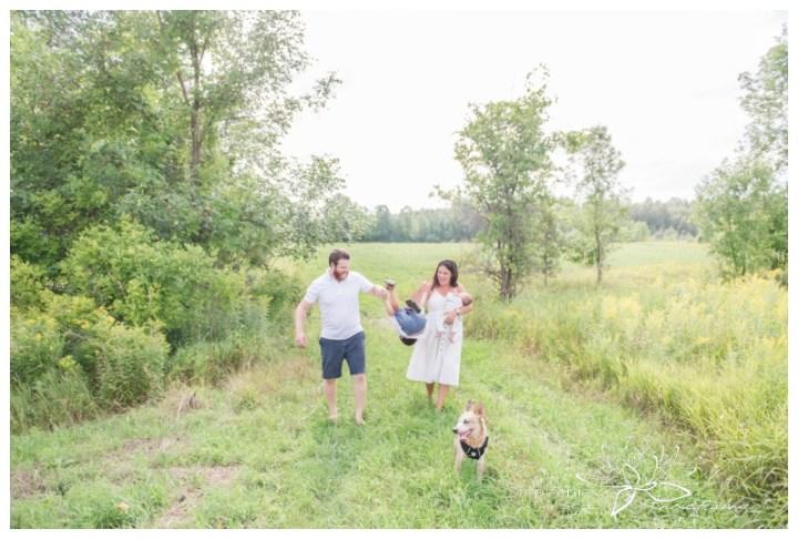 Ottawa-Lifestyle-Newborn-and-Family-Photography-Session-Stephanie-Beach-Photography