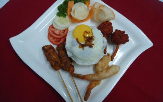 Gado - Gado Indonesian fried rice with prawns