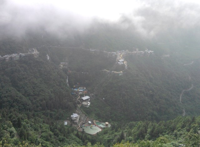 Mussoorie_View_from_top_of_the_hill