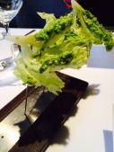 Salatherzen mit Avocado, Pistazie und Minze
