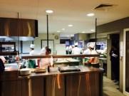 Insgesamt sind in der Küche 28 Personen beschäftigt