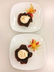 Weisses Schokoladeneis