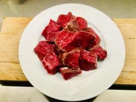 würfeln (30-40 g Würfel)