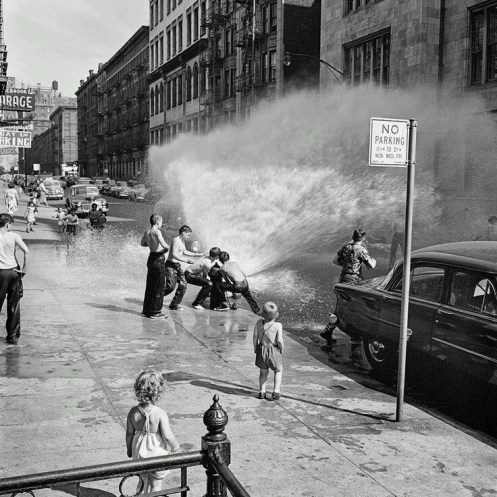 Photo: New York City, 1950s, by Vivian Maier