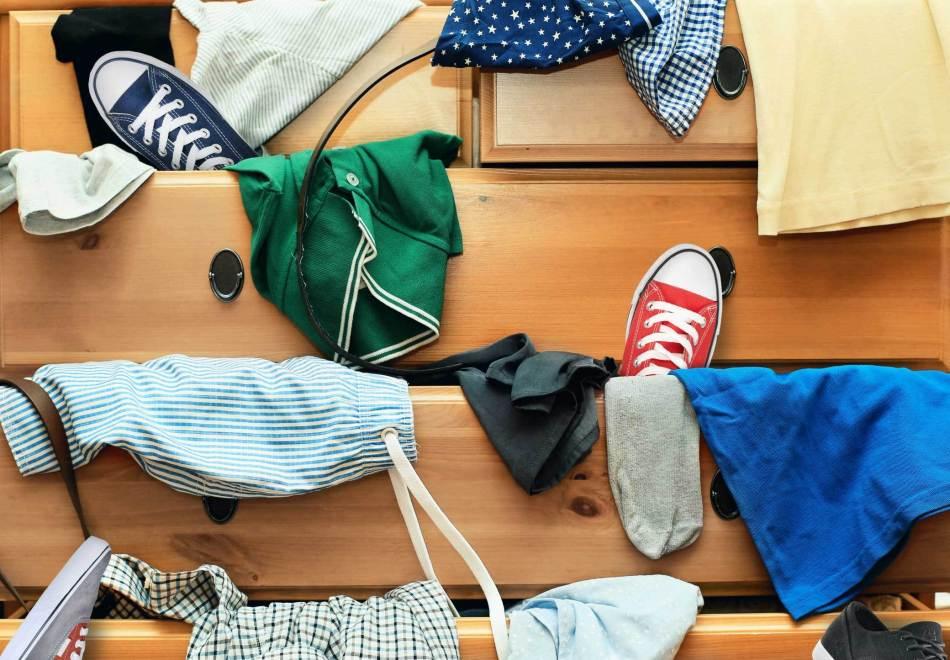 迷你倉 的 妙用 : 換季衣物收納