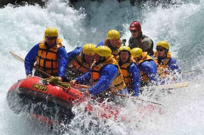 Group bonding with Rangitata Rafts - Stray New Zealand