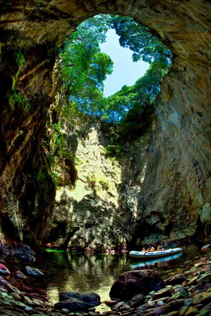 Blow_Hole_Hahei_Explorer - Stray NZ