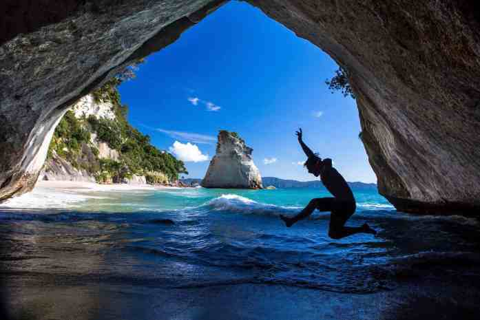 Stray New Zealand - Hahei - Cathedral Cove