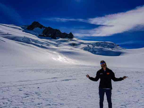 New Zealand Ski Season Stray