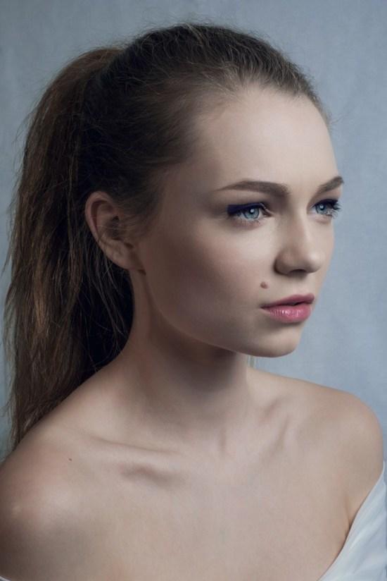 Model: Elise-Christine Fradet-Farago. Foto/Styling: Sølvi Strifeldt