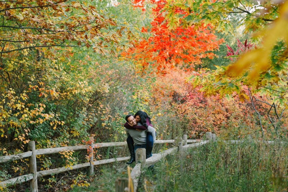 fall engagement photos toronto evergreen brickworks