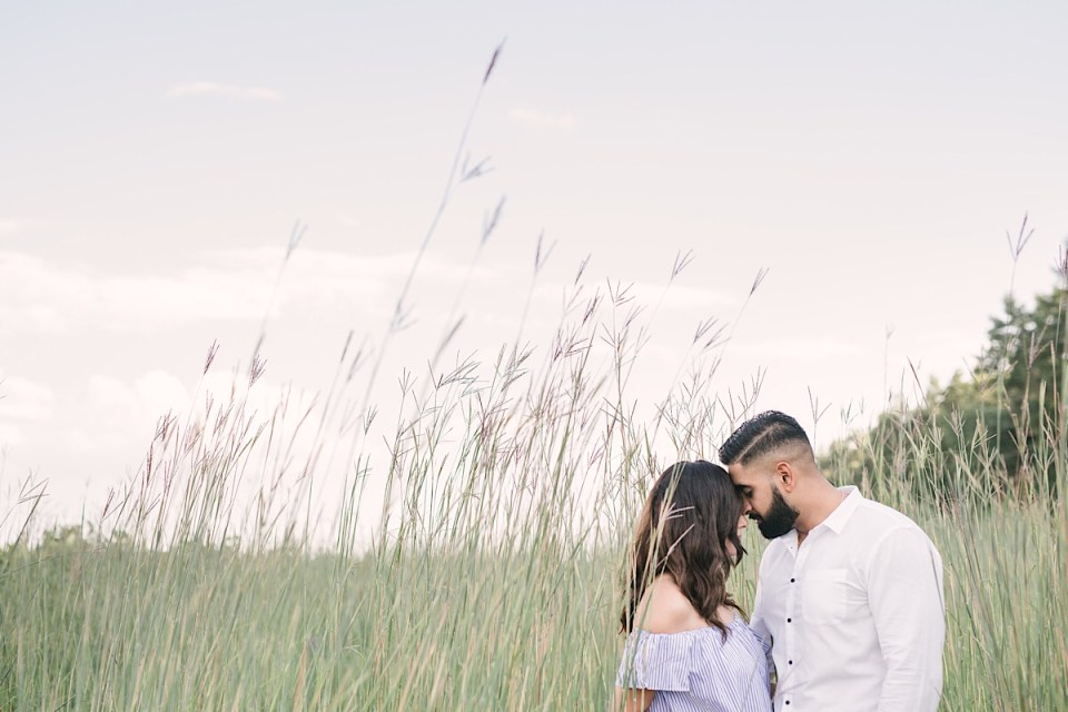 tall-grass-engagement-photos-strokes-photography-bonnie-heath-winery-1