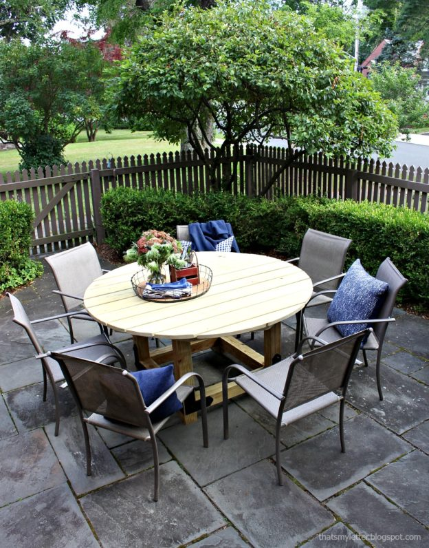 to build a round outdoor dining table