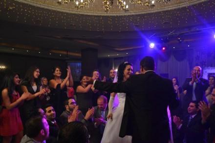 Bride and groom dancig
