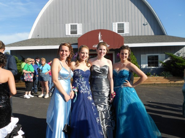 My BFFs, this was us at Prom