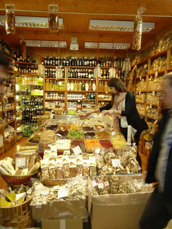 Me picking out some dried fruit for my trip to Sorrento!