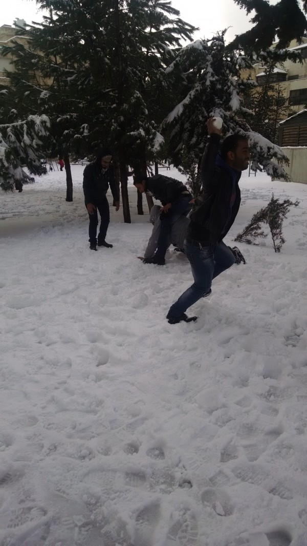 Snowballfight-Amman-Jordan-Sherwin-01