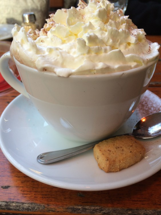 The highly recommended deliciously huge hot chocolate from Sowohl Als Auch.