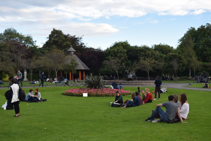 St. Stephen's Green provides the perfect escape from Dublin's busy streets, whether you're catching up with friends or spending some alone time with a good book.
