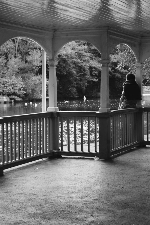A walk along the lake in St. Stephen's Green.