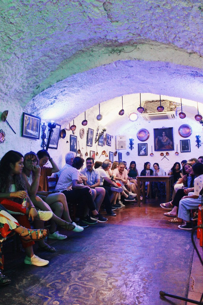 flamenco bar cave