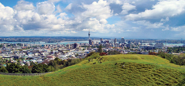 aucklandNZ_cityviewMAIN_credit-cc-Tim-Sheerman-Case