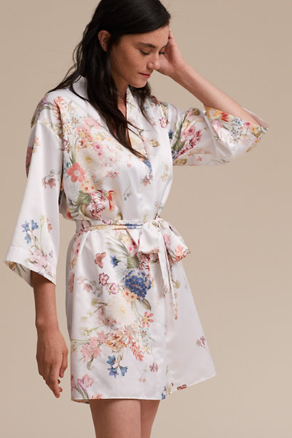 bridesmaids gift ideas 2019 studio i do floral robe cure