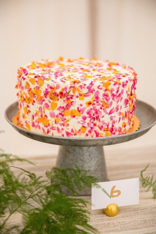 spring wedding inspiration and ideas flower covered cake larissa cleveland studio i do