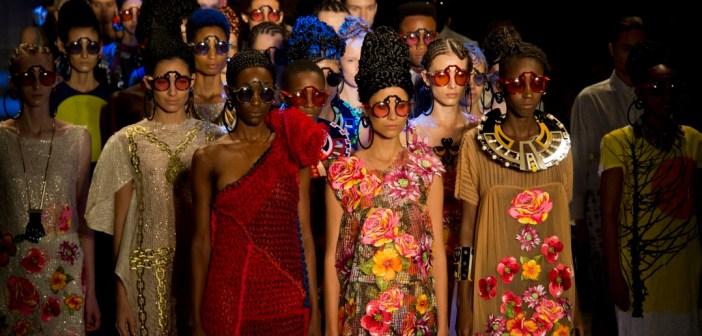 Ronaldo Fraga Fashion Show migration crisis SPFW 2016 - Stylight Blog