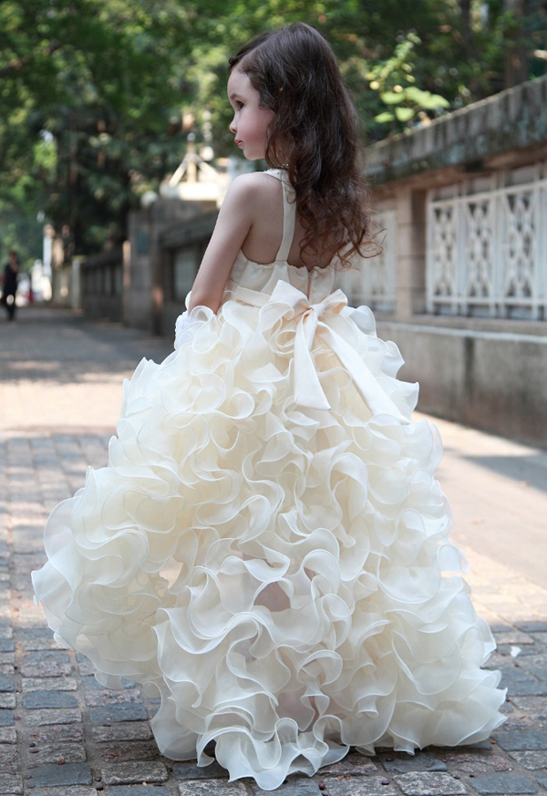 white flower girls dresses with ruffled skirt