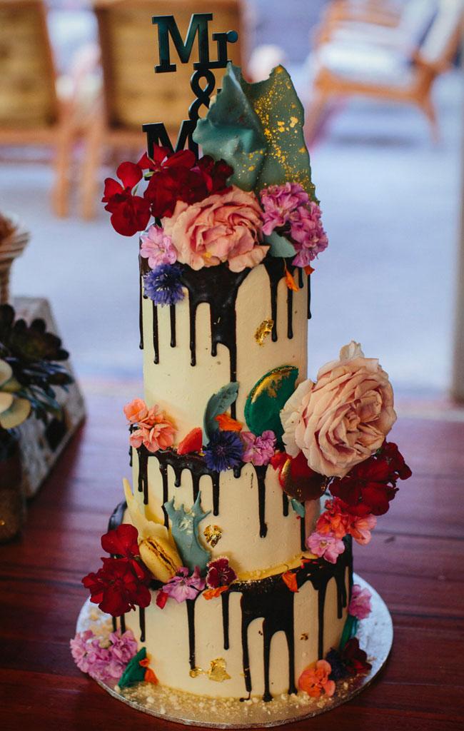 20 Trendy Drip Wedding Cakes That Make Your Dessert Table