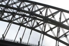 En passant sous Harbour bridge