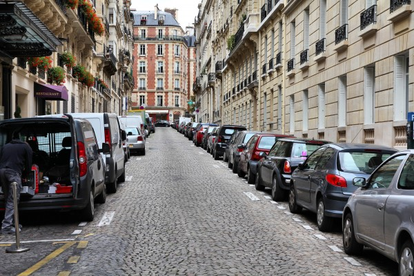 Inparkeren in Parijs met een huurauto