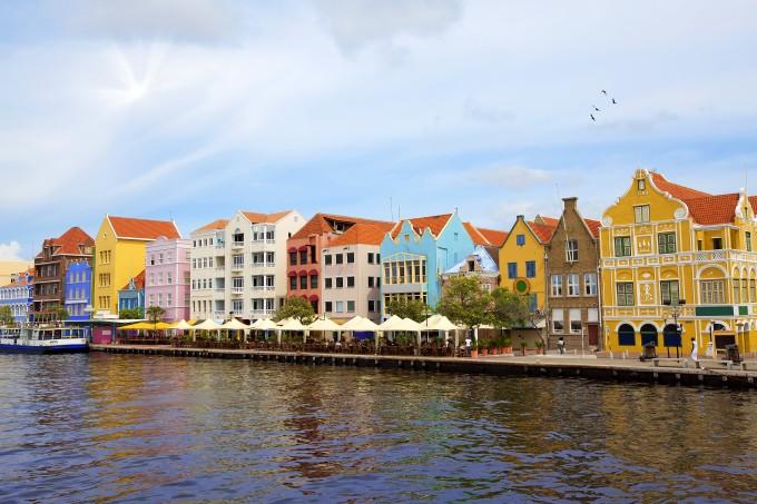 Curacao gekleurde huizen willemstad