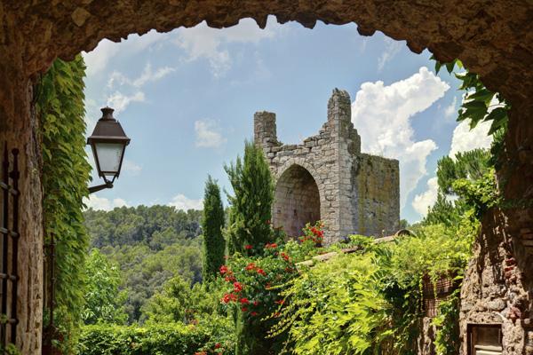 catalonië middeleeuws centrum peratallada