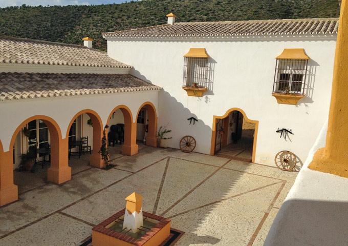 Hacienda la Morena roadtrip Andalusie binnenplaats