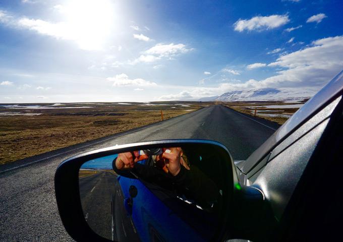 snelle roadtrip ijsland huurauto 4 dagen autospiegel