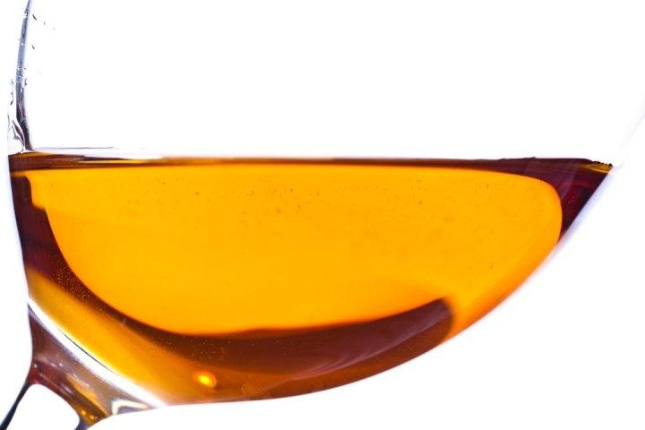 Orange-Wine-liquid