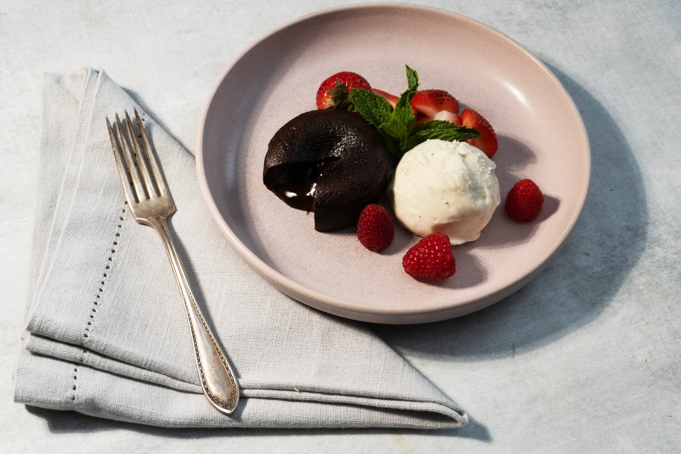 How to Bake Chocolate Lava Cakes in Suvie