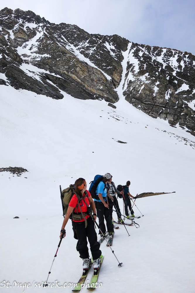north couloir on Cobb is enticing...