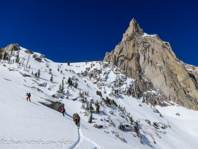 making the ascent toward Braxon Peak