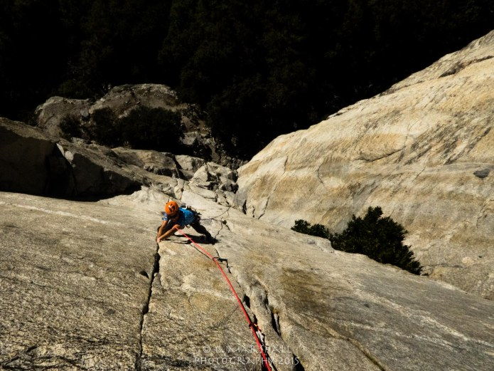 Coming from the desert, a day remembering how to jam splitter granite was in order. Niels follows Salathe Pitch 1 (5.10c) at the base of El Capitan. Climbing under the Big Stone was an inspiration for the days to come.